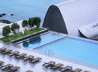 힐튼호텔 야외 수영장 전경